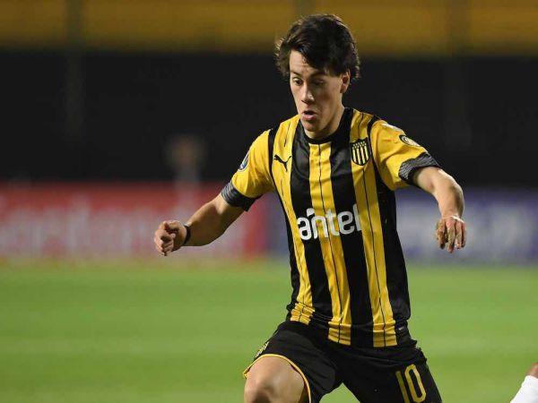 Tin bóng đá tối 6/10: M.U bất ngờ mua cầu thủ chạy cánh vô danh